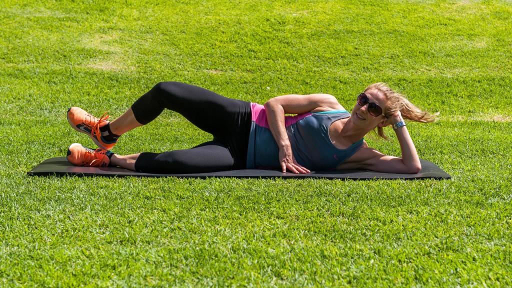 Clams - Pilates exercise